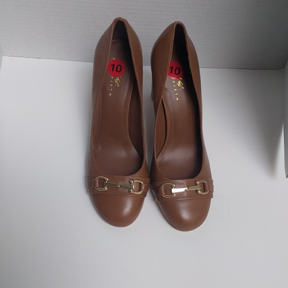 👠 Genuine brown leather shoes by Lord and Taylor